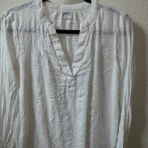 white old navy long sleeve blouse